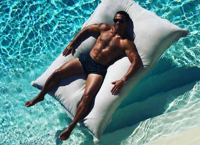Lola Consuelos Slams Mom Kelly Ripa For Posting 'Thirst Traps' Of Dad Mark Consuelos On Social Media