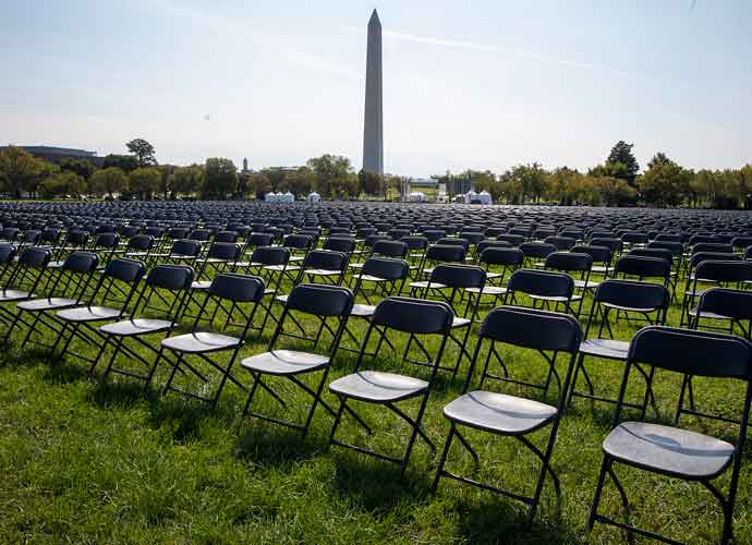 20,000 Chairs On National Mall Pay Tribute To 200,000 Americans Dead From COVID-19