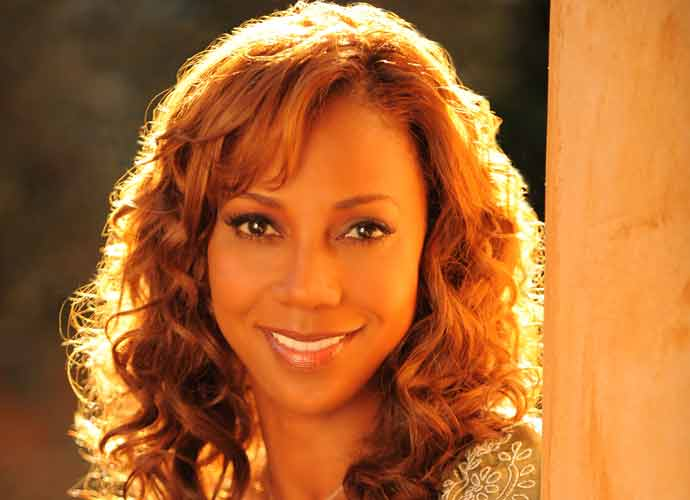 Holly Robinson-Peete Says Donald Trump Called Her The 'N-Word' On 'Celebrity Apprentice'