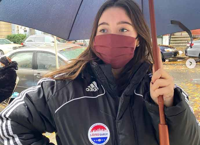 Lola Consuelos, Kelly Ripa's Daughter, Celebrates Voting For The First Time