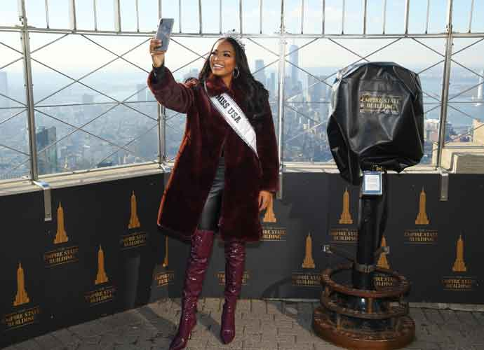 Miss USA Asya Branch Visits The Empire State Building