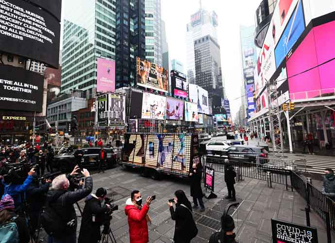 2021 Sign Arrives In Times Square For Fanless New Year Eve's Countdown
