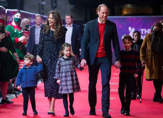 Prince William & Kate Middleton Thank Frontline Workers At Pantomime