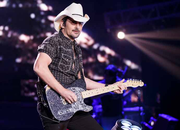 Brad Paisley Announces News 2021 Concert Tour Dates!