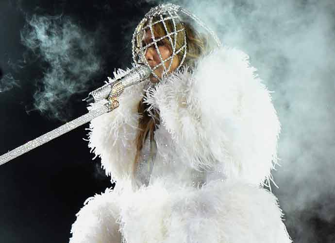 Jennifer Lopez Brings In 2021 In Times Square With FianceeAlex Rodriguez,