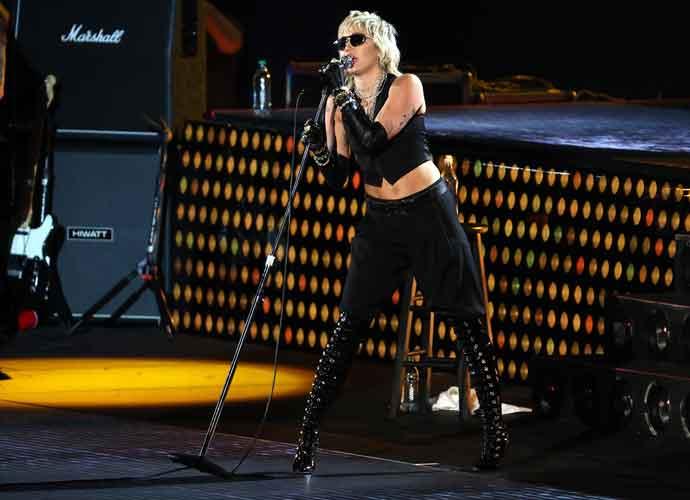 WATCH: Miley Cyrus Rocks NCAA's Final Four