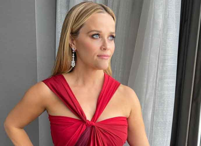 Reese Witherspoon Documents Oscars Transformation On TikTok