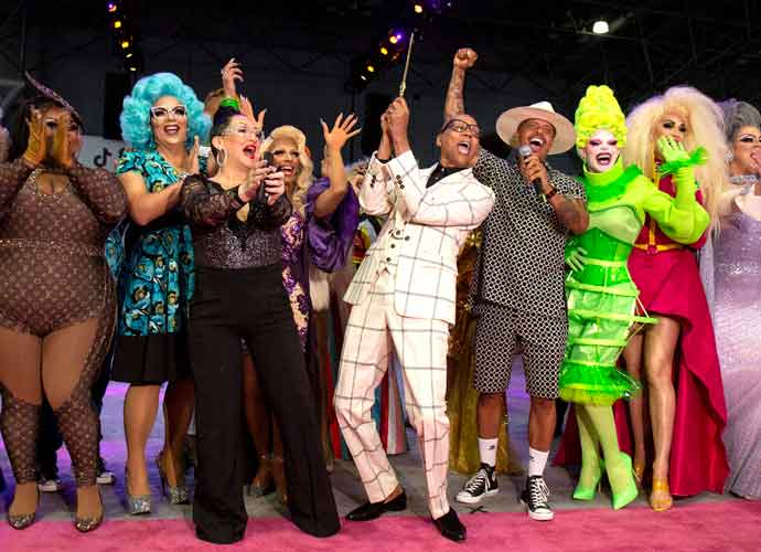 Cory Booker To Appear On Cousin RuPaul's 'Drag Race' Finale