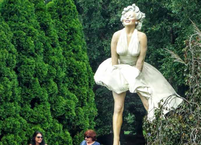 """Controversial """"Forever Marilyn"""" Statue Set To Return To Palm Springs"""