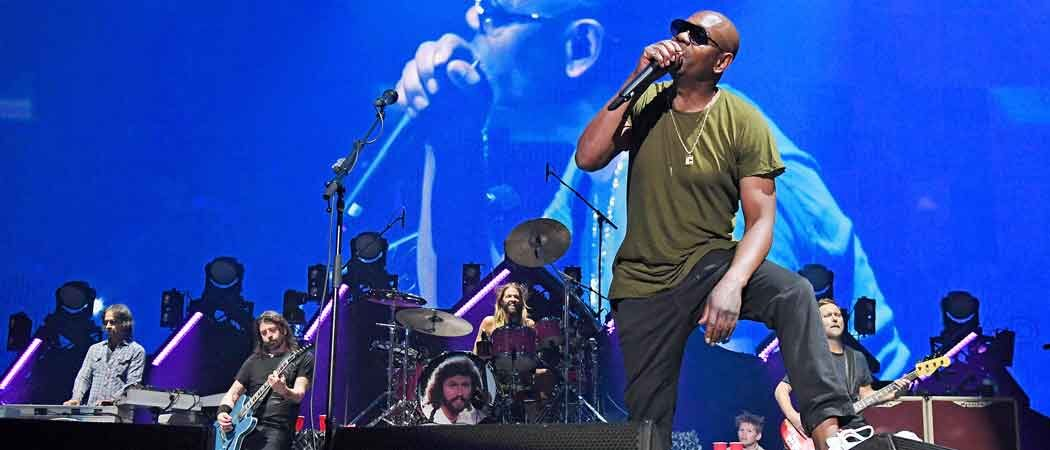 """Dave Chappelle Sings Radio Head's """"Creep"""" At Foo Fighter's MSG Concert"""