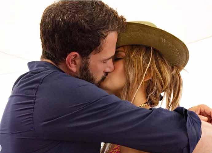 Jennifer Lopez Posts Photo Kissing Ben Affleck, Breaks The Internet