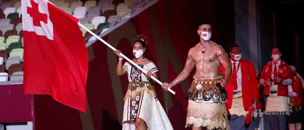 Tonga's Shirtless Flag Bearer Pita Taufatofua Wows Tokyo Olympics Opening Ceremony
