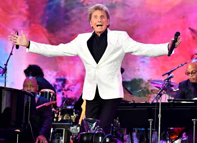 Barry Manilow Cuts Off Central Park Concert Due To Impending Storm
