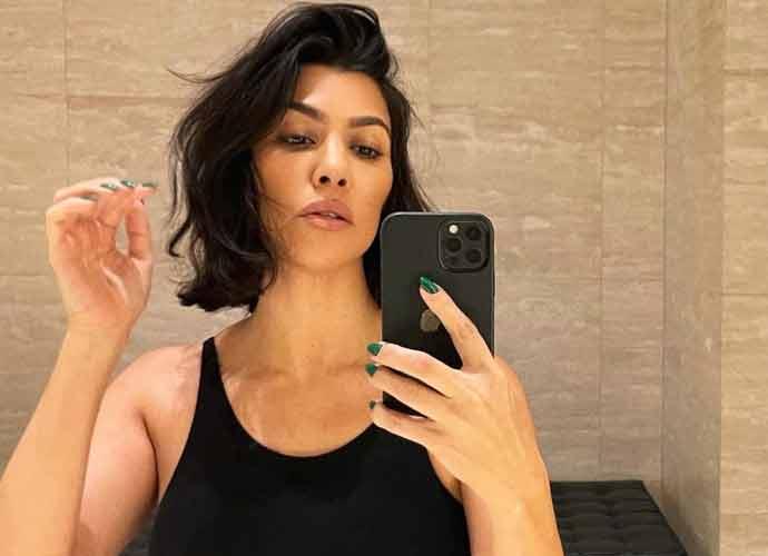 Kourtney Kardashian Shares Photos Of Her New Short Hair-Style