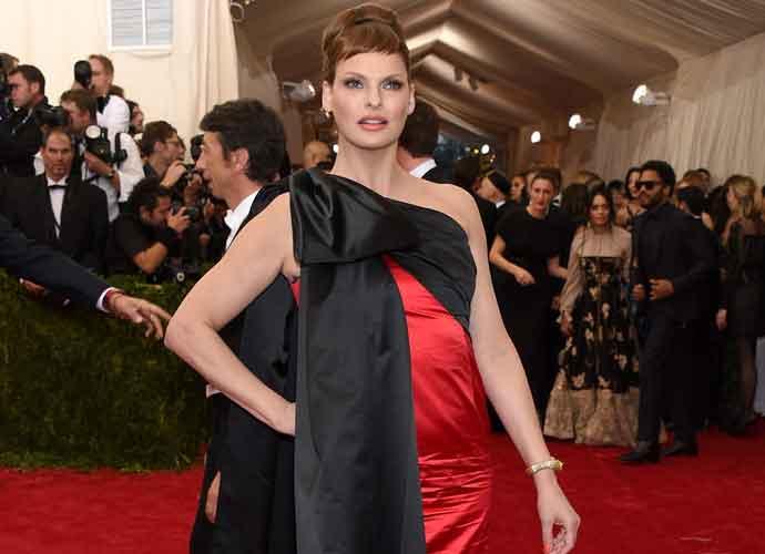 Model Linda Evangelista Sues Zeltiq After CoolSculpting Procedure 'Disfigured' Her