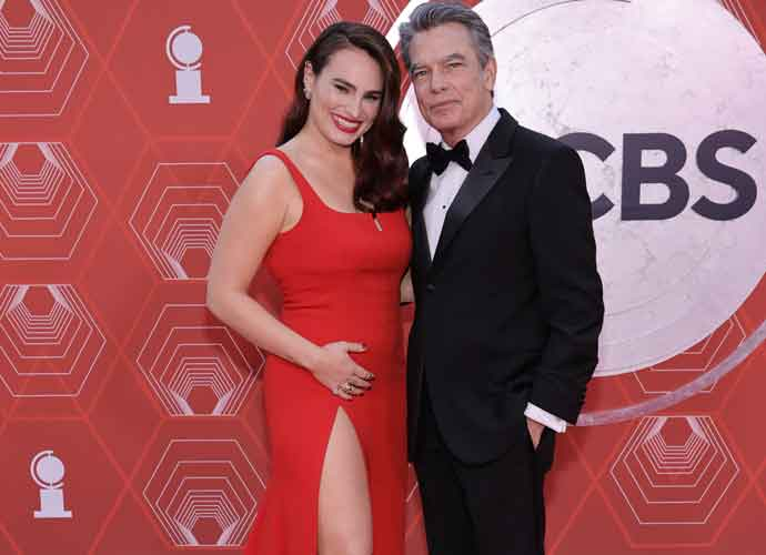 Kathryn Gallagher Hits Red Carpet With Dad Peter Gallagher At Tony Awards