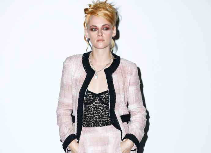 Kristen Stewart Rocks Chanel Look At Paris Fashion Week