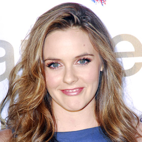 Alicia Silverstone's Baby-Feeding Video Goes Viral