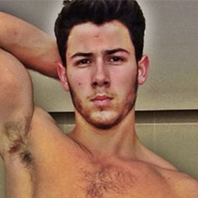 Nick Jonas Shirtless And Ripped In New Instagram Pic