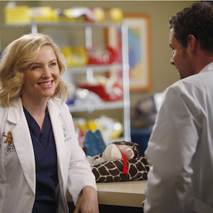 'Grey's Anatomy' Recap: Derek Supports Meredith's Career; Arizona And Leah Heat Up