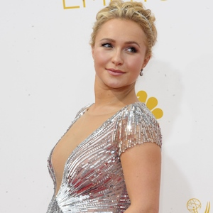 Hayden Panettiere Shows Off Her Baby Bump At Emmys, Reveals The Sex Of Her Baby