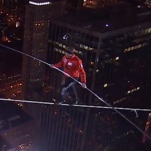 Nik Wallenda Breaks Two Guinness World Records With Chicago Tightrope Walk