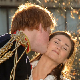 Harry And Pippa Lookalikes Smooch
