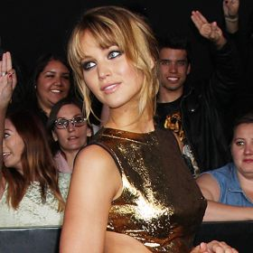Jennifer Lawrence Is Good As Gold At 'Hunger Games' Red Carpet Premiere