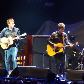 Noel Gallagher And Damon End Feud, Unite For Teenage Cancer Trust Benefit
