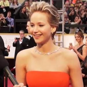 Jennifer Lawrence Falls At The Oscars – Again