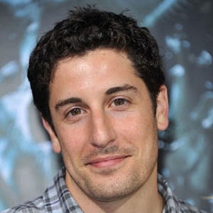 Jason Biggs Defends, Then Apologizes For Tweeting Joke About Malaysia Airline Flight MH17 Following Crash