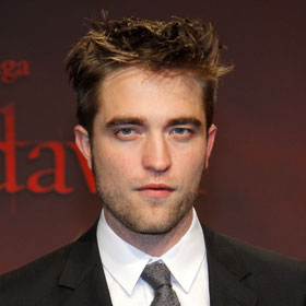 'Twilight' Robert Pattinson Wants To Lick The Pages Of '50 Shades of Grey'