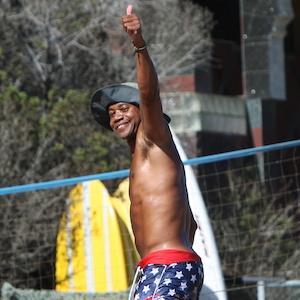 Cuba Gooding Jr. Hits The Beach Labor Day