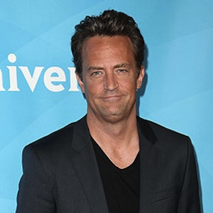 Matthew Perry And Lizzy Caplan Split After Six Years Together Over A Year Ago
