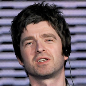 Noel Gallagher Weds Long-Time Girlfriend, Brother Liam Not Invited