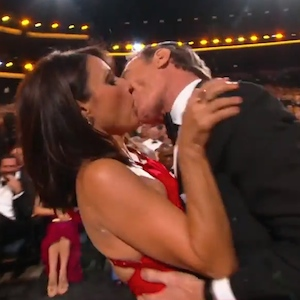 Julia Louis-Dreyfus And Bryan Cranston Make Out At The Emmys, Celebrate 'Seinfeld' Reunion