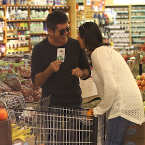 Simon Cowell & Lauren Silverman Flirt On Grocery Store Outing, Lunch At The Ivy