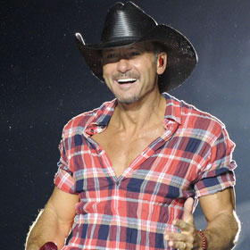 Tim McGraw Gives Up Drinking — Trading Six Packs For Eight-Pack Abs