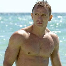 Daniel Craig Spends Holidays With Rachel Weisz