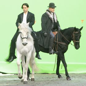 Colin Farrell, Russell Crowe Horse Around
