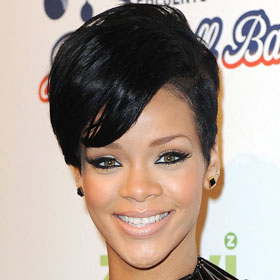 PHOTO: Rihanna Gets Dolled Up For EMA's