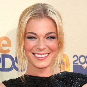 LeAnn Rimes Seeks Treatment For Anxiety And Stress