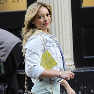 Hilary Duff Films 'Younger' In NYC, Opens Up About Aaron Carter