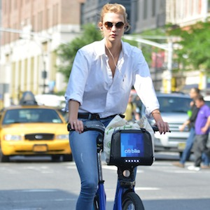 Karlie Kloss Rides Citi Bike Through Manhattan, Opens Up About Second Bedroom Filled With Beauty Products