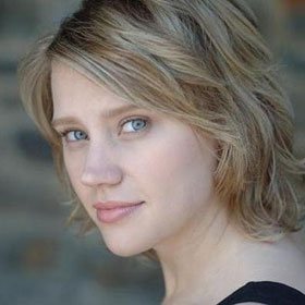 VIDEO: Kate McKinnon, First Openly Gay Woman Cast On 'Saturday Night Live'