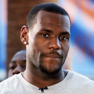 LeBron James Dunks On Ben McLemore In Heat Win Over Kings