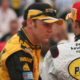 NASCAR: Matt Kenseth Holds Off Kasey Kahne For Bristol Sprint Cup Victory