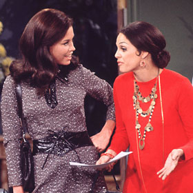 Mary Tyler Moore Devastated By Valerie Harper's Terminal Brain Cancer Diagnosis