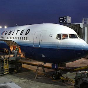 'Knee Defender' Causes In-Flight Fight Between Passengers