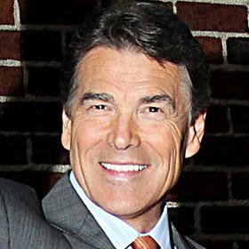 VIDEO: SNL Lampoons Rick Perry At Debate